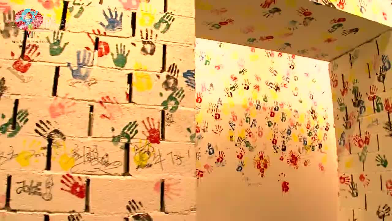 杨梅红童耍儿童艺术展