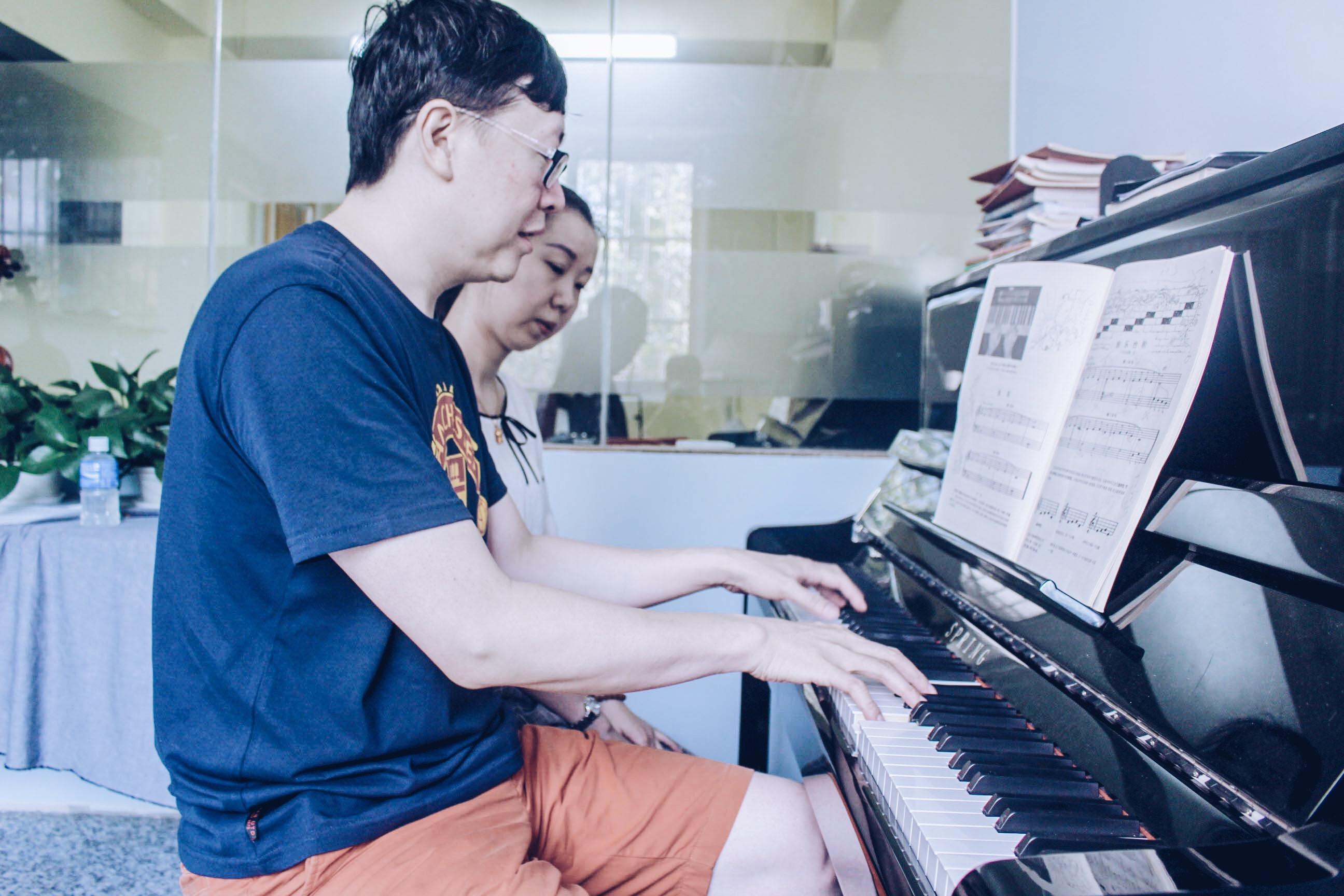 目前开设了音乐类课程(大提琴,小提琴,尤克里里,民谣吉他,古典吉他