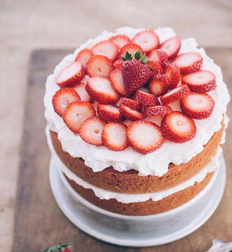海洋慕斯蛋糕:掌握海洋慕斯蛋糕的制作和装饰(1课时)