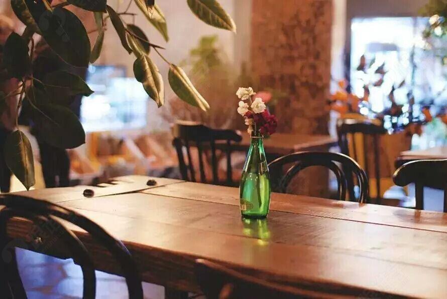绵阳咖啡 典雅咖啡培训工作室 黑板报       创业的纠结 开不开咖啡馆