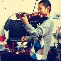 小提琴学员